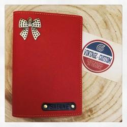 Portefeuille rouge personnalisé - Porte-passeport rouge personnalisé